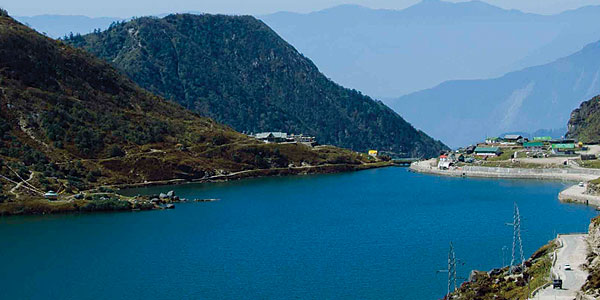 Sikkim is landlocked Northern east state that offers a plenty of reasons to fall for it. This state is renowned for its enchanting beauty and is blessed with a number of exquisite lakes.  From adventure to spiritual bliss, from picnics to sole brooding, the lakes across Sikkim have a lot of things to offer.